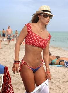 English: Jennifer Nicole Lee American Football Red Bikini Miami