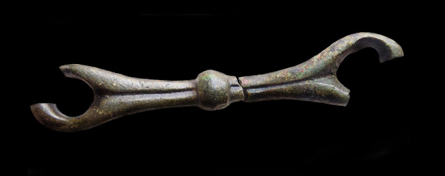 The centre bar of a three-link bridle bit from Norfolk. 96.8mm