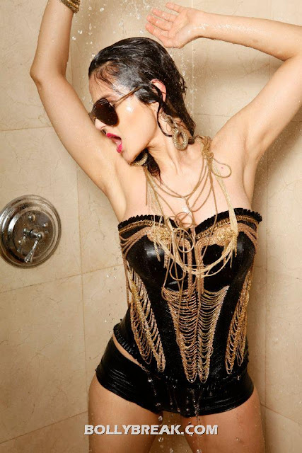Amisha is a rockstar in black and gold chains - (4) -  Ameesha Patel Hot Bikini Pics
