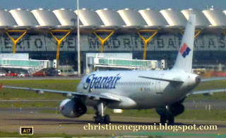 Spanair+at+Madrid+airport.jpg