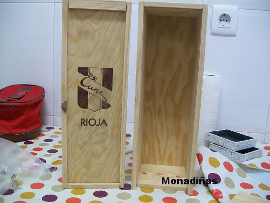 Monadi as armario para las mu ecas reciclado - Como hacer puertas de armario ...
