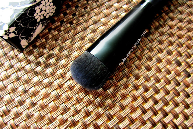 Rouge Bunny Rouge Highlighter Brush 014