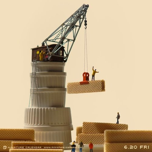 21-Container-Tatsuya-Tanaka-Miniature-Calendar-Worlds-www-designstack-co