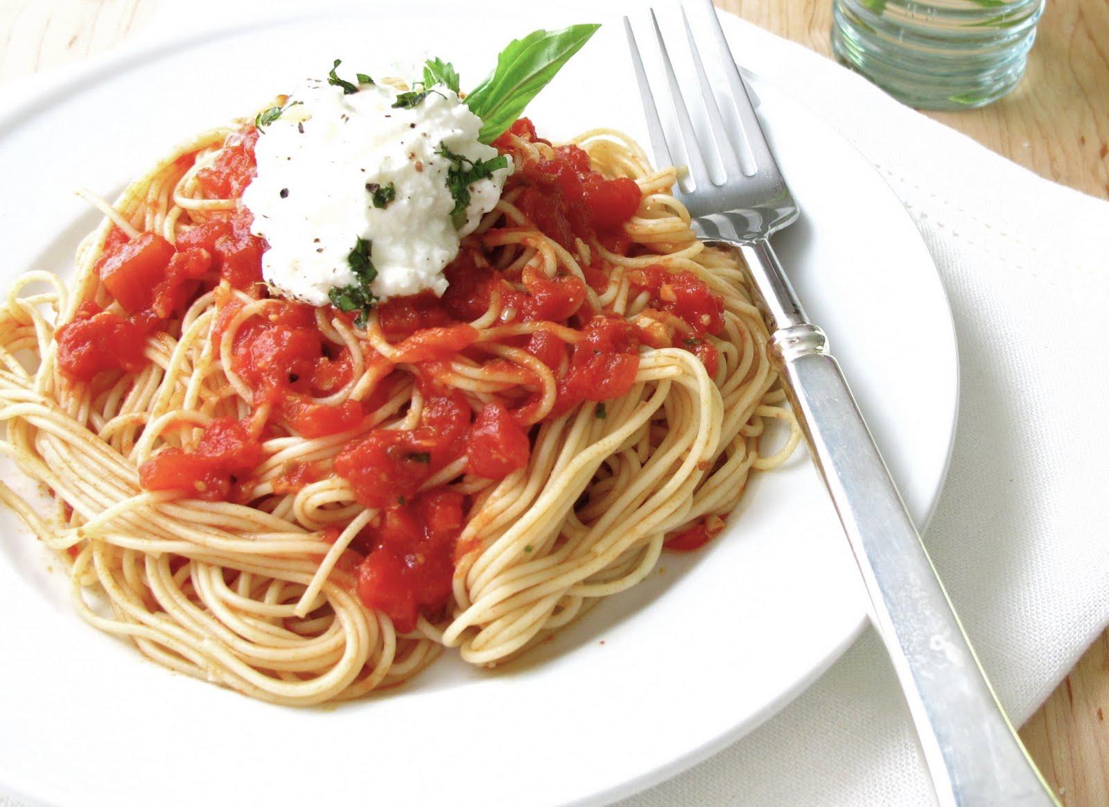 Jenny Steffens Hobick: Tomato Sauce | Simple Tomato Sauce Recipe