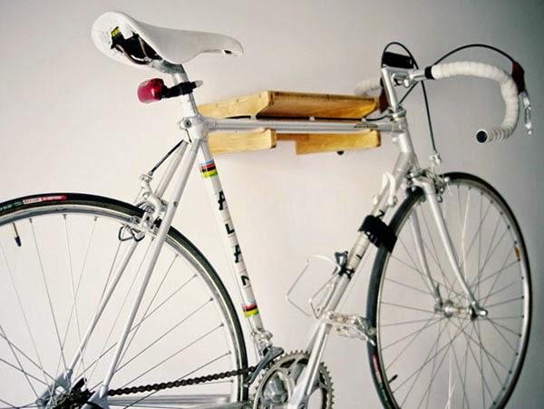 Hokoj, soporte-estantería para bicicletas. Complementos para el ciclista urbano de Ramonas Barcelona.