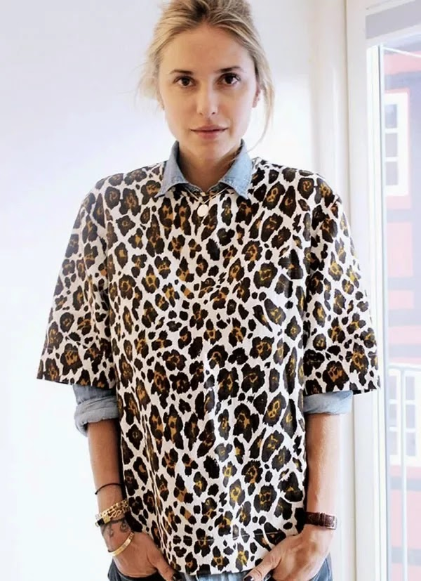 blusa de oncinha sobre camisa jeans, moda feminina, camisas da moda, roupa-feminina