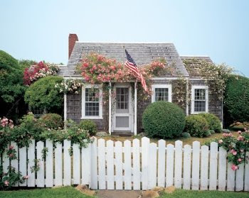 Calling it home nantucket style design indulgence for Nantucket home designs