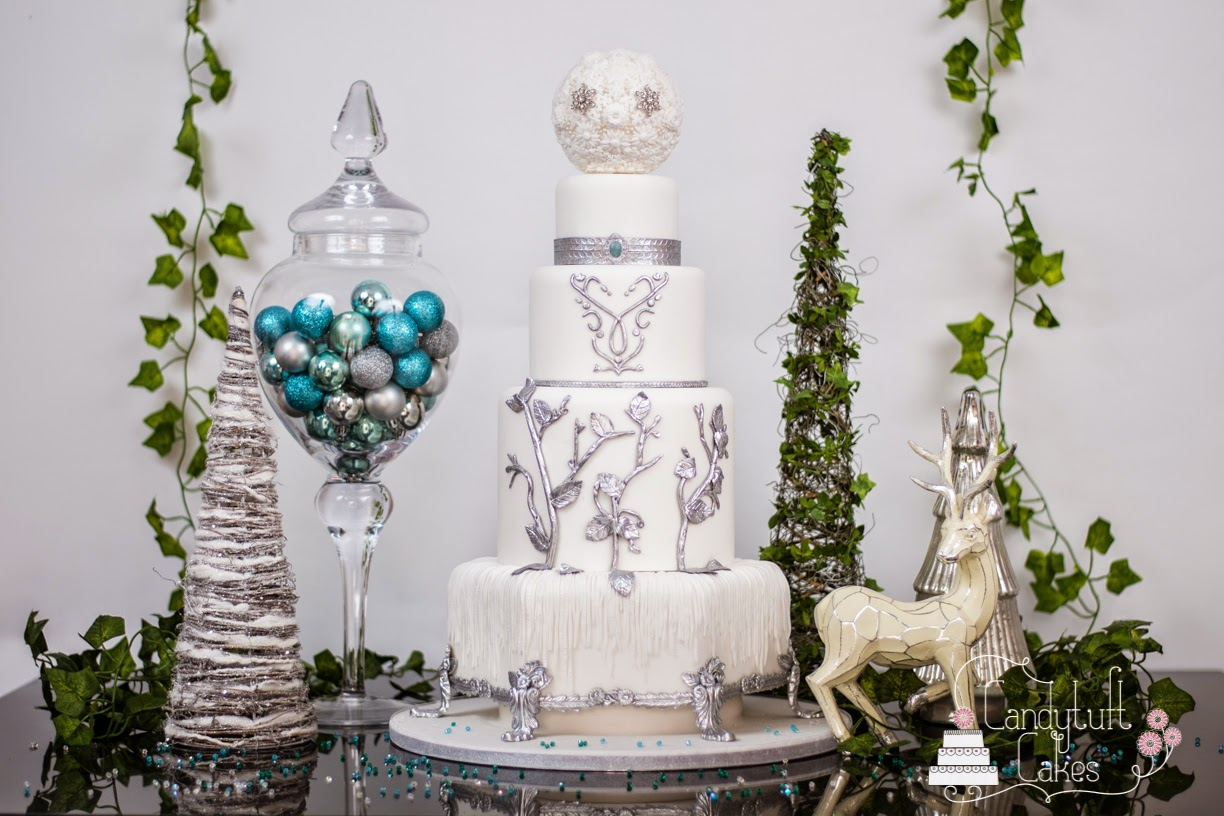 and now, back to cake, and not just any cake, Quirky Weddings cake ...