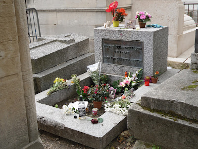Charmant Unless The Weather Is Really Bad Itu0027s Probably Impossible To Miss Jim  Morrisonu0027s Grave: Thereu0027s Usually A Crowd There (often Mainly American),  And The Noise ...
