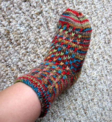 Free Knitting Patterns For Socks Using Circular Needles : Creating a Family Home: Free Knitting Pattern: Raindrop Socks