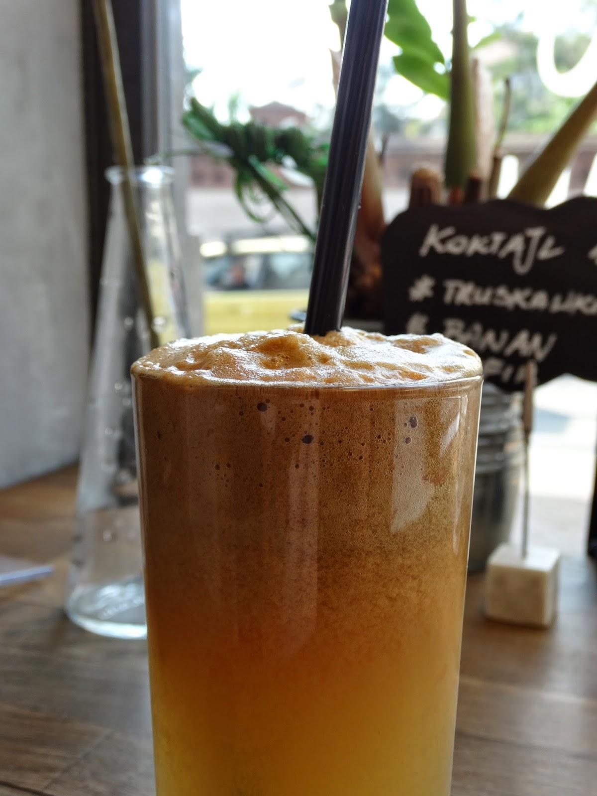 Nap Nap Cafe, Kraków Zwierzyniecka, świeżo wyciskany sok, seler