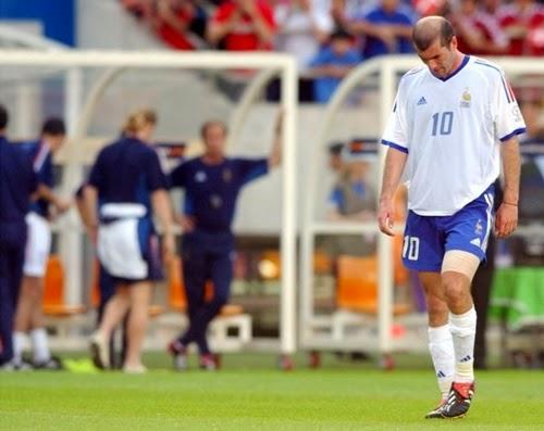 Zidane depois da eliminação da França na copa do mundo 2002