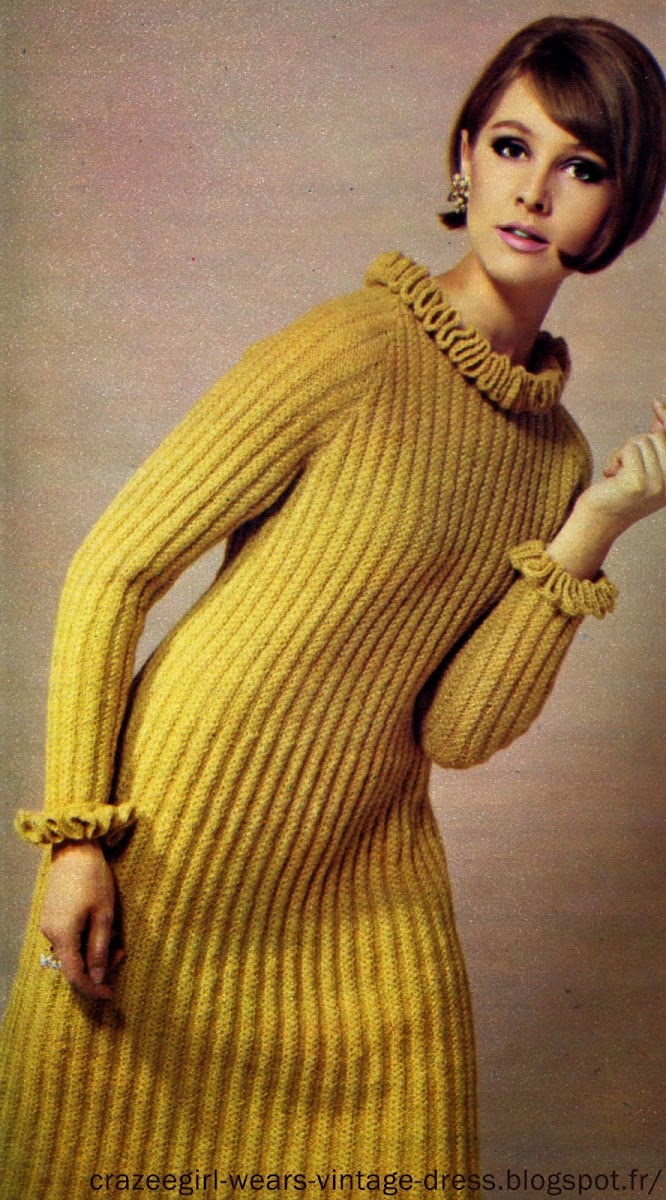 """Knit Knit Knit"""" - 1966 robe cotelée au tricot robe rouge au crochet Gais et verts  , les pulls junior : pull ajouré et bas assortis  Les couleurs d'automne, vous les ferez ressortir avec ces verts qui vous rappelleront les teintes vivantes de l'été. Pour vous, les « teenagers », n'hésitez pas, le vert espérance vous donnera de l'éclat aux yeux, de la vivacité et vous pourrez, avec, vous offrir les accessoires les plus éclatants ou les plus discrets, vous serez toujours charmantes et remarquées. Plus classique , pull bleu nuit jersey et crochet knit tricot mode fashion vintage retro années 60 yeye mods sixties 1960 60s 1960s 60's"""