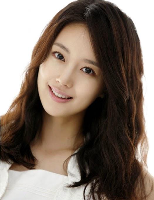 Moon Chae-won photo 009