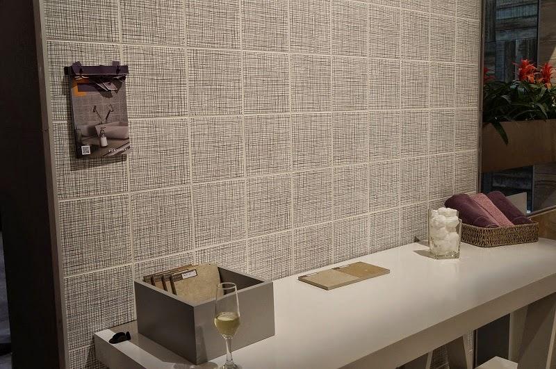 parede com grafismo da Portinari - Expo Revestir 2014