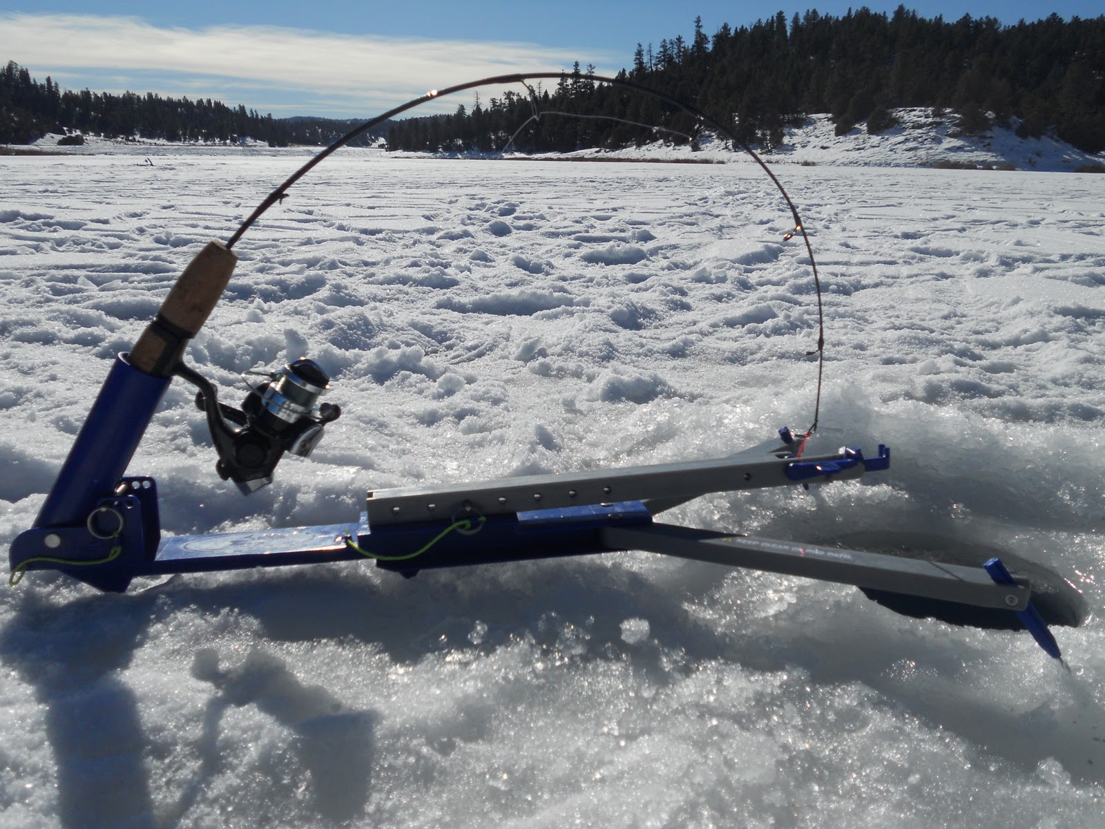Outdoors nm ice fishing tips tricks from matt pelletier for Jaw jacker ice fishing