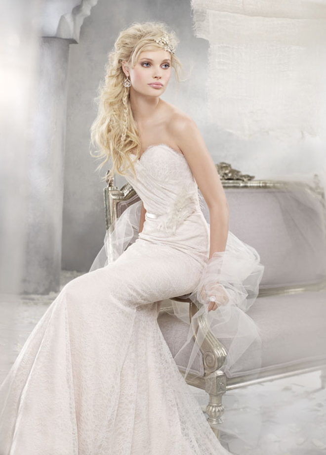 Alvina valenta 2012 bridal collection dress of the week for Chantilly lace wedding dress