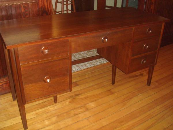 Mid Century Solid Walnut Desk   $275 (Nashua, NH) Http://boston.craigslist .org/nwb/fuo/4030110442.html