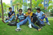 Nenu Naa Friends Movie stills-thumbnail-9