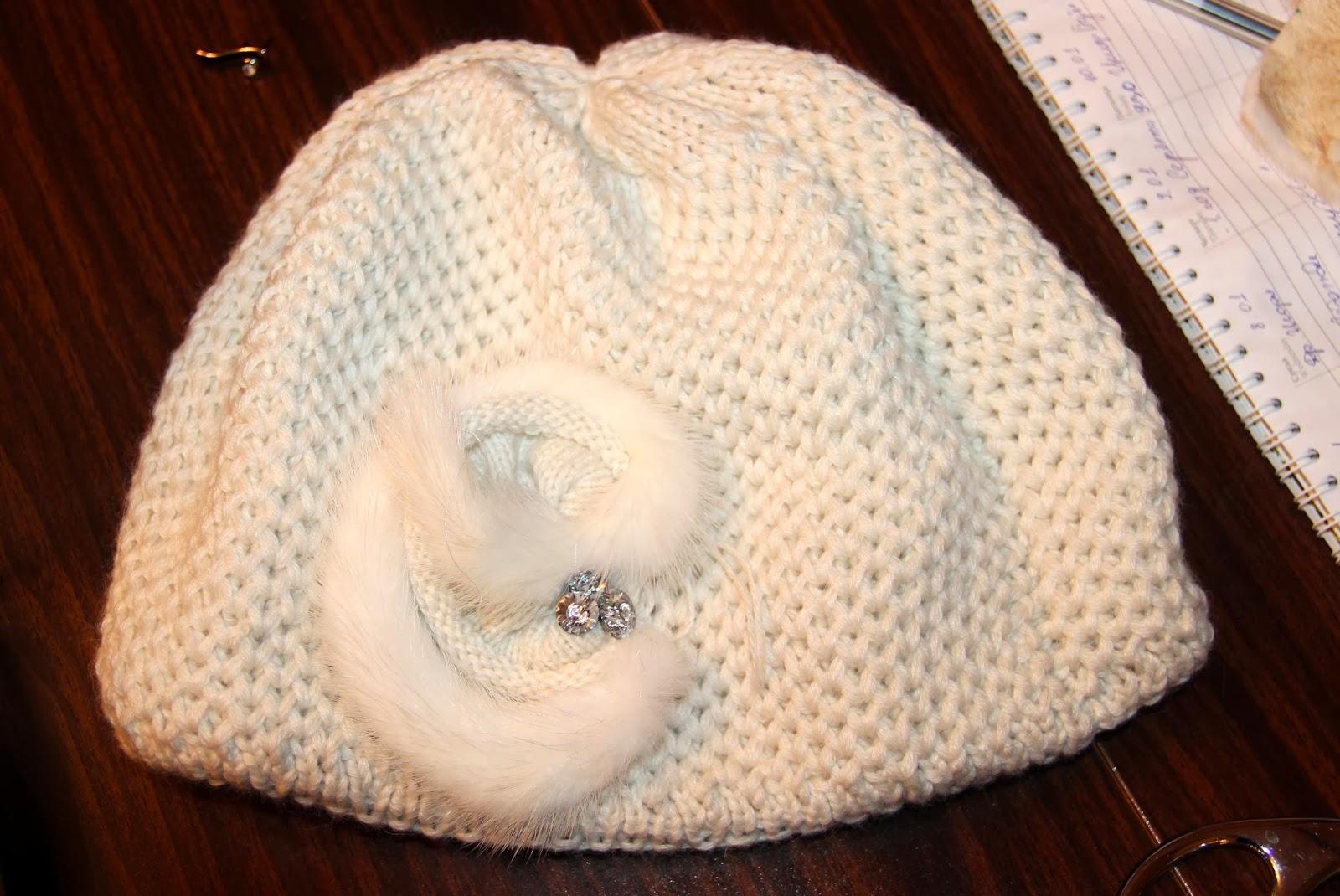 теплая вязаная шапочка из шерсти норка с козьим пухом