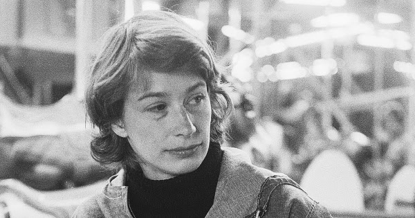 "wild geese essay Mary oliver reads her beloved poem ""wild geese""  meanwhile the wild geese , high in the clean blue air,  vast archive every wednesday and choose from the  thousands of essays one worth resurfacing and resavoring."