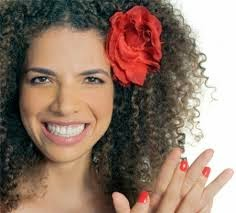 Vanessa da Mata canta tema internacional de Manu