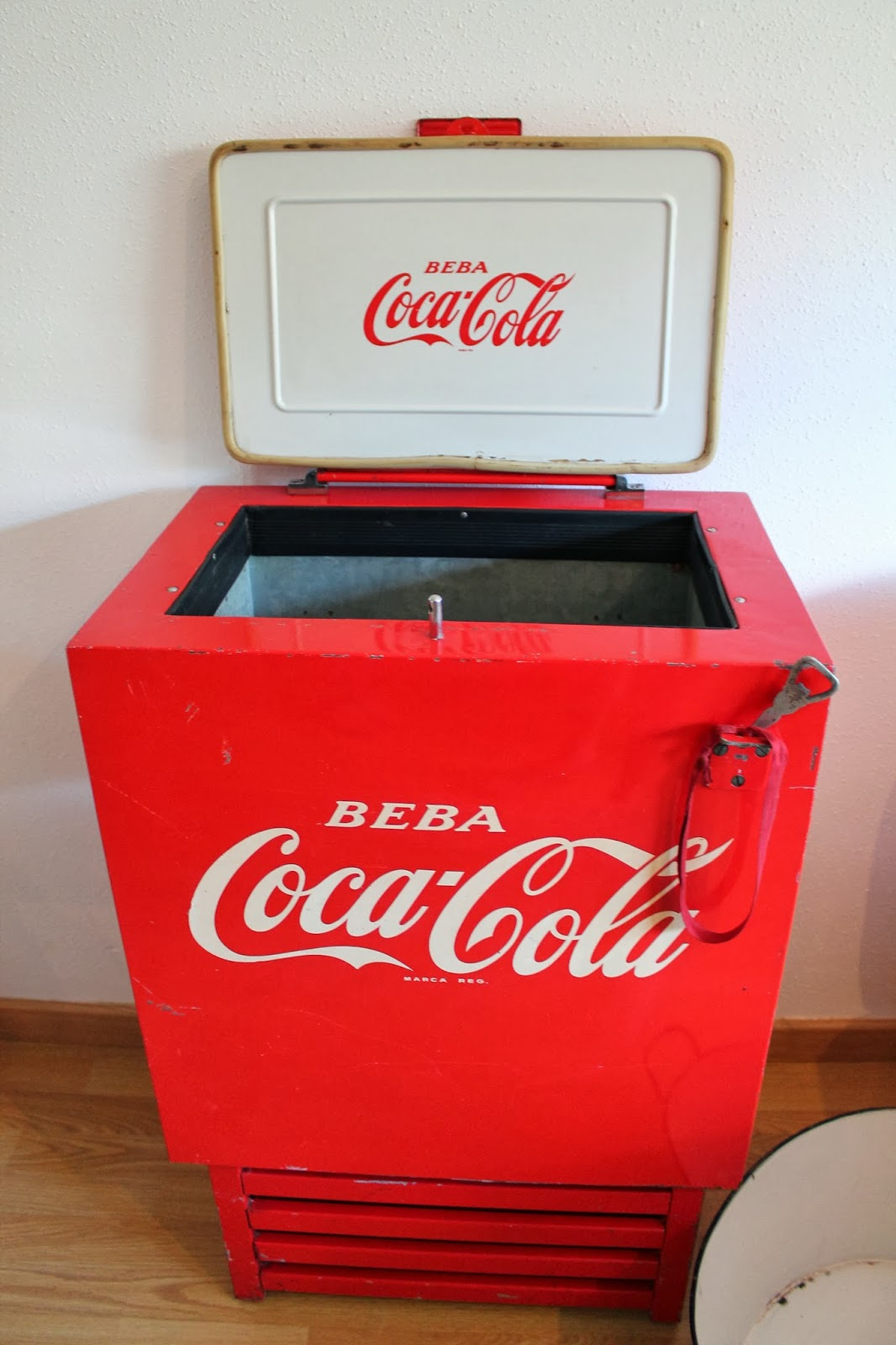Nevera vintage coca cola beautiful nevera vintage coca - Muebles vintage malaga ...