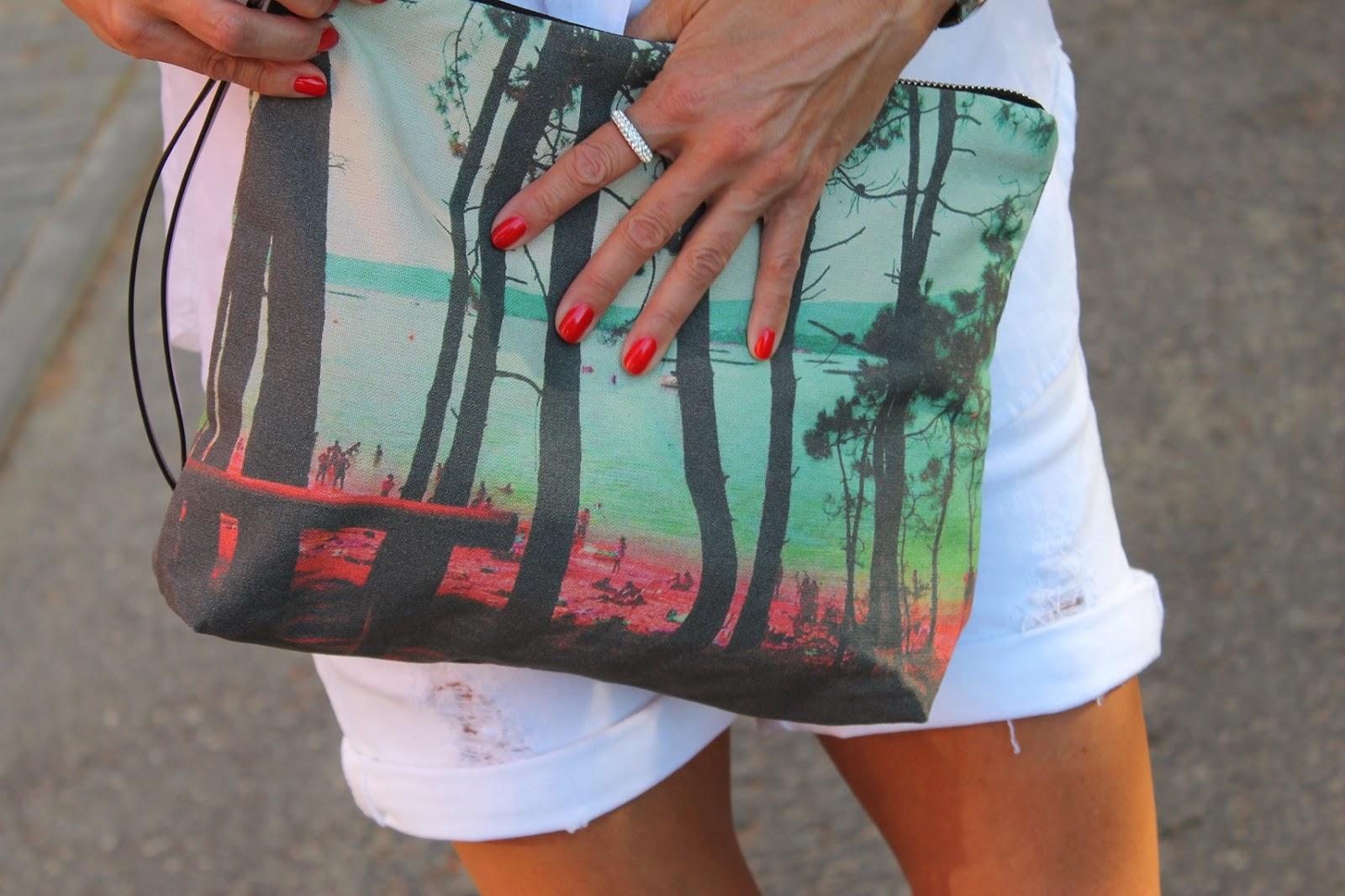 Fashion Style, White, Look, street style, Zara, Trafa, Zubi, bag, shirt, short, glasses, blog de moda, Carmen Hummer