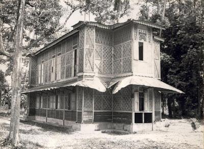 Masjid yang dibina dengan wang ihsan daripada Sultan Iskandar Syah itu