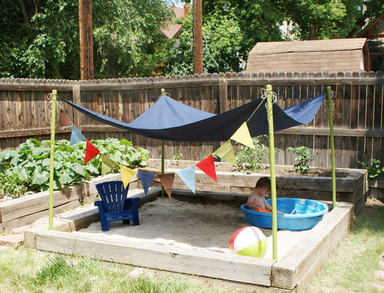 Small backyard design ideas modern home design ideas for Small backyard ideas for kids