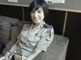 Foto Polisi Cantik Briptu Eka Fresya 3