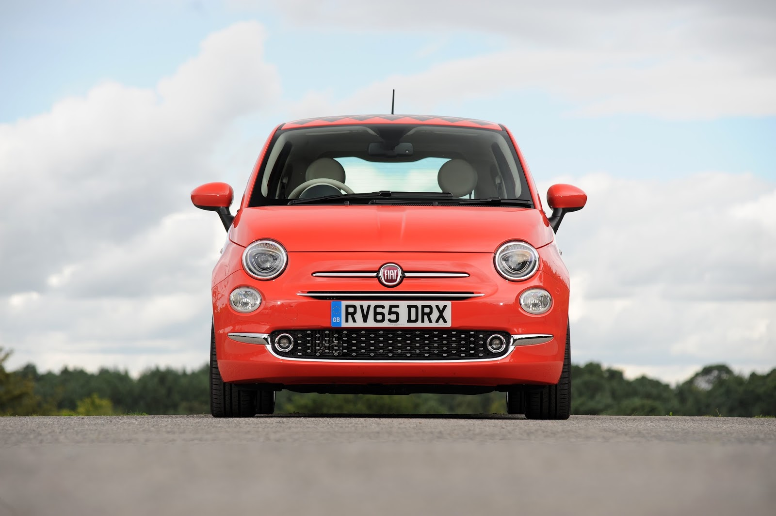 new car test: #newfiat500 hits uk streets