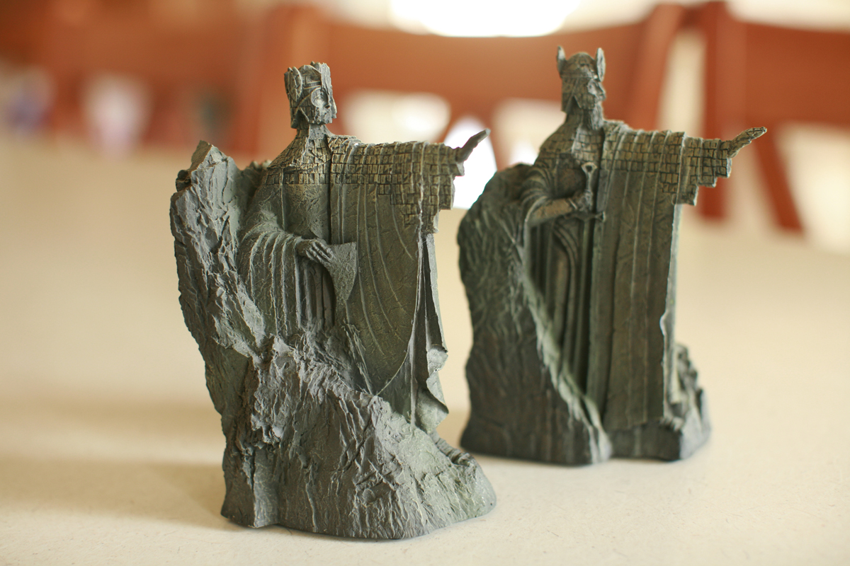 I 39 d shoot that the gates of argonath bookends - Argonath bookends ...