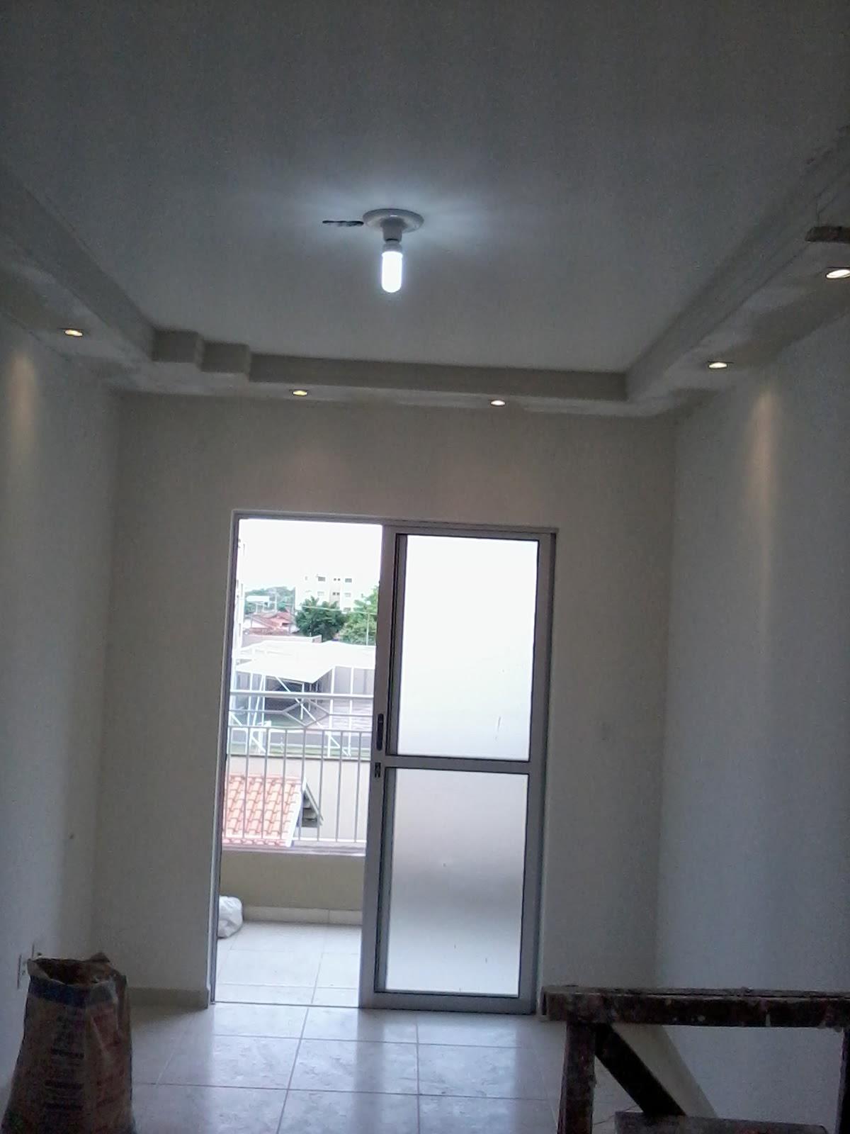 gesso: gesso aparamento tecol .vitral no hall de entrada sanca fechada  #4B6080 1200 1600