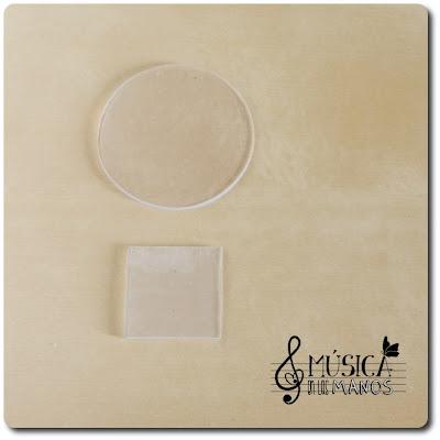 Circulo y cuadrado de plastico transparente