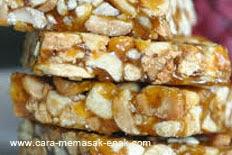resep praktis dan mudah membuat (mengolah) makanan kue enting-enting kacang spesial enak, crispy, lezat