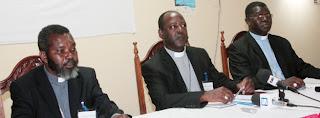 Bispos católicos voltam a atacar