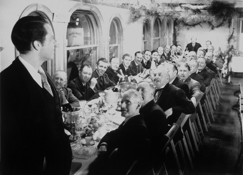 analysis of the film citizen kane Analysis of citizen kane year: 1941 director: orson wells questions to address in paper: 1 identify the tone of the opening scene how do the music, lighting, and editing of the.