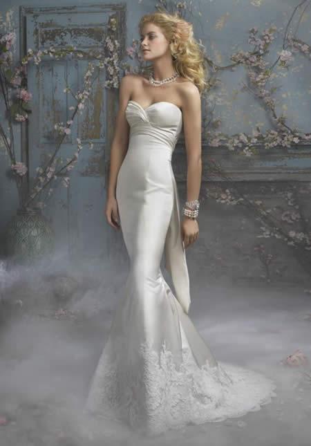 Whiteazalea simple dresses mermaid wedding dresses for Halter mermaid wedding dress