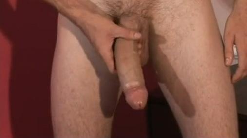 Foda entre machos mega dotados gozada na cara e na boca sexo gay 3