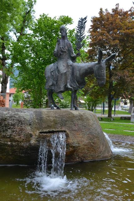 Oberammergau donkey statue