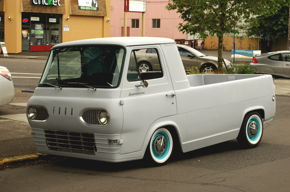 OLD PARKED CARS.: 1964 Ford Econoline Pickup Custom.