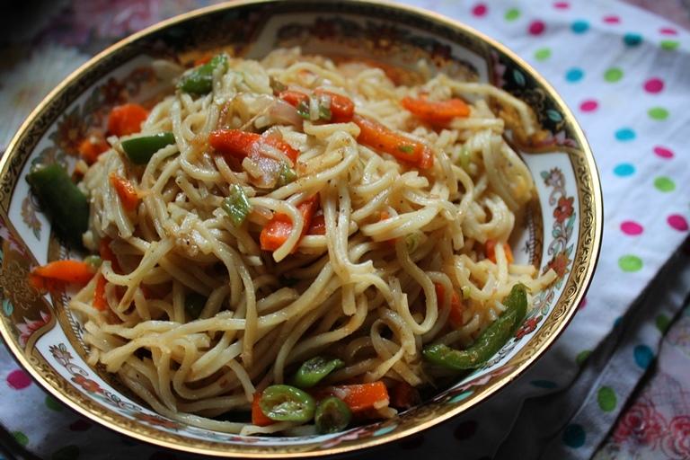Vegetable hakka noodles recipe chinese veg hakka noodles recipe vegetable hakka noodles recipe chinese veg hakka noodles recipe forumfinder Images
