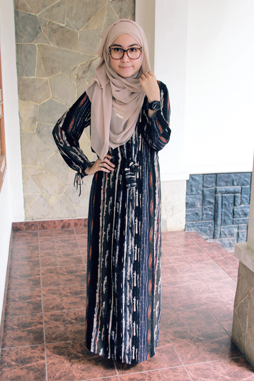 Intip Gaya Hijab Siti Juwariyah Beauty And Style