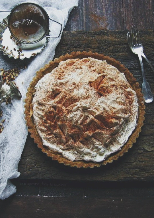 salted cinnamon dulce de leche tart with whiskey whipped cream | une gamine dans la cuisine