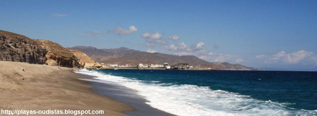 Carboneras desde la playa de Los Muertos (Cabo de Gata, Almería)