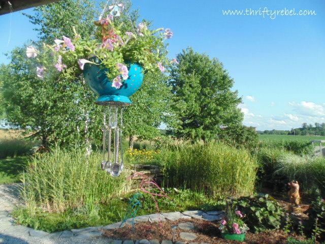 strainer-planter-wind-chimes