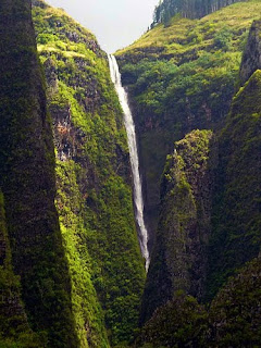 ahuii_waterfalls_french_polynesia