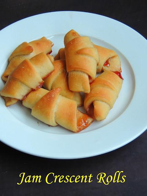 jam crescent rolls,jam stuffed bread rolls