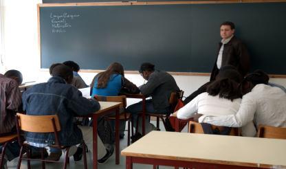 """Ensino do Português """"é a questão bilateral mais preocupante com França"""" -- embaixador"""